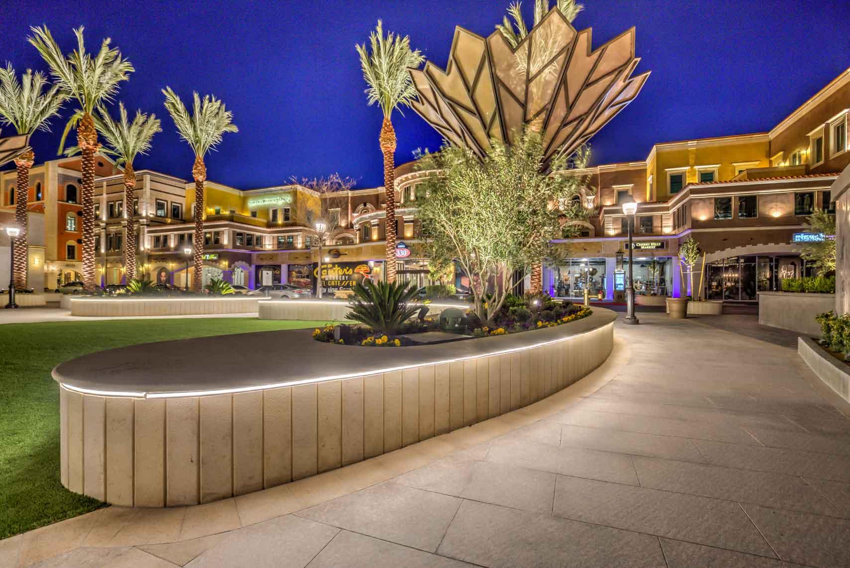 Tivoli-Village-Courtyard